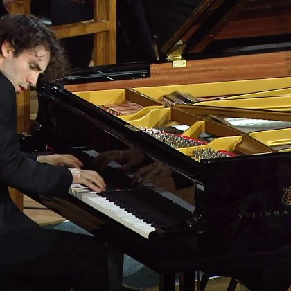 /steinway.com-americas/news/features/alexandre-kantorow-XVI-international-tchaikovsky-competition